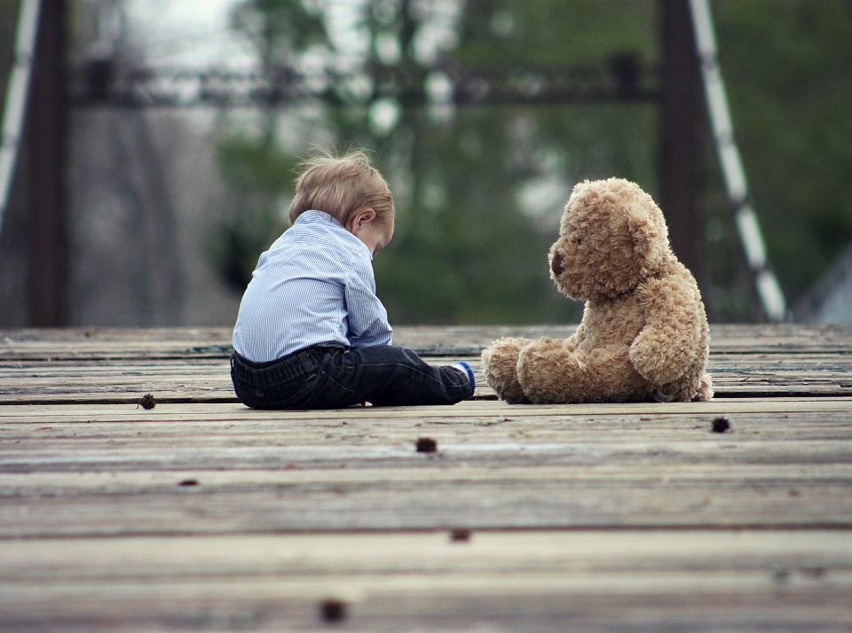 Як взаємодіяти з дітьми, які мають травматичний досвід: Практичні поради психолога