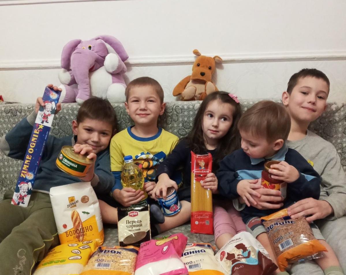 Понад 2500 дітей отримали допомогу завдяки спільній акції «Клубу Добродіїв» з «Сільпо»: результати 2020 року